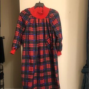 Plaid long side pocked gown Christmas